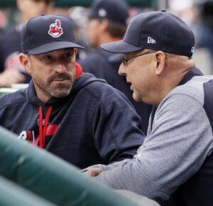 Francona responde al nuevo informe sobre el ex entrenador de pitcheo de los Indios de Cleveland, Mickey Callaway