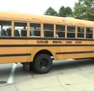 Las escuelas de Cleveland y el sindicato de maestros acuerdan regresar esta semana