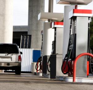 Los precios de las bombas de gasolina siguen aumentando en el noreste de Ohio, informa AAA
