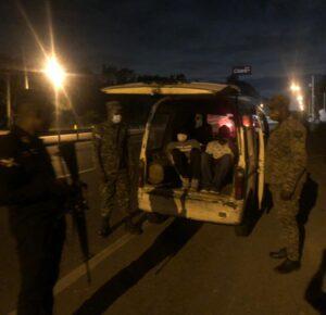 Unidades del CECCOM incautan tanquero cargado de alcohol ilícito