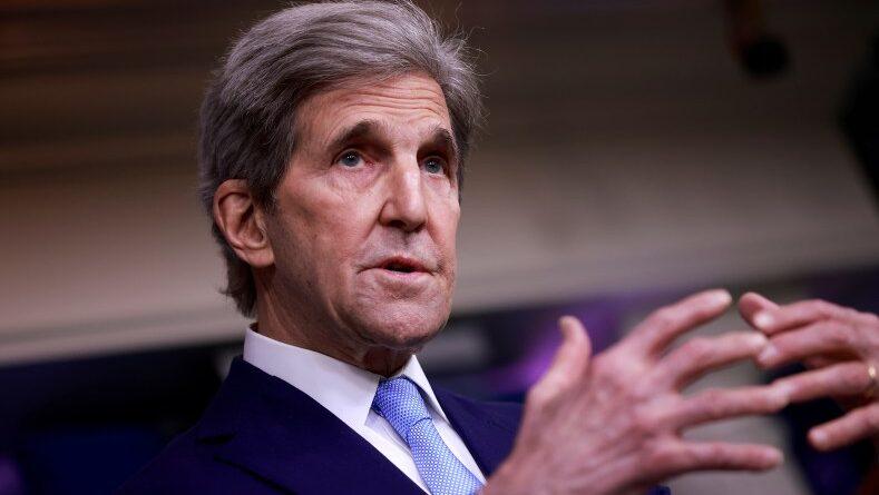 John Kerry niega haber dado información clasificada a Irán