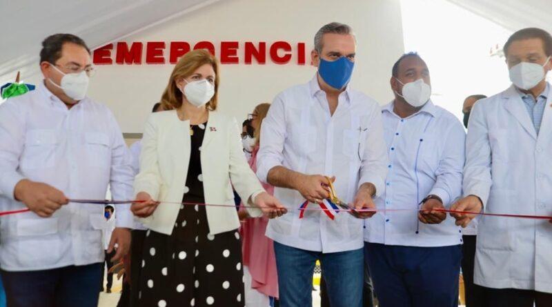 Presidente Abinader inaugura Emergencias en dos hospitales de la provincia Duarte