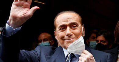 Silvio Berlusconi fue internado una vez más en un hospital de Milán