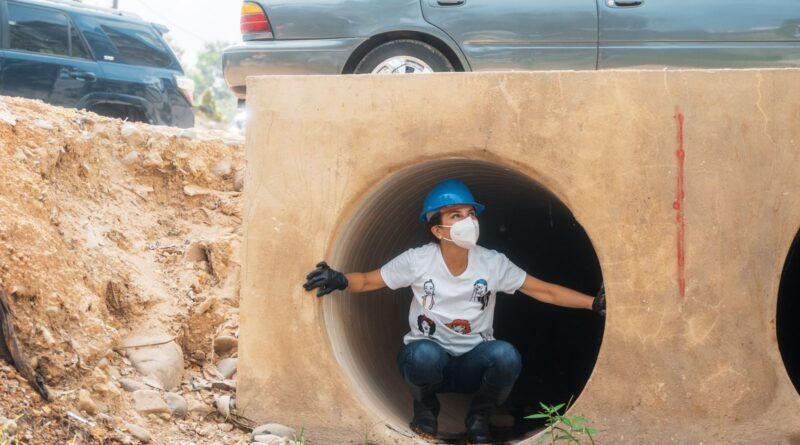 Alcaldesa Carolina Mejía recorre cañadas en supervisión de jornadas de limpieza