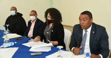 Comisión de Deportes de la Cámara de Diputados realiza descensoen Complejo Deportivo Los Trinitarios
