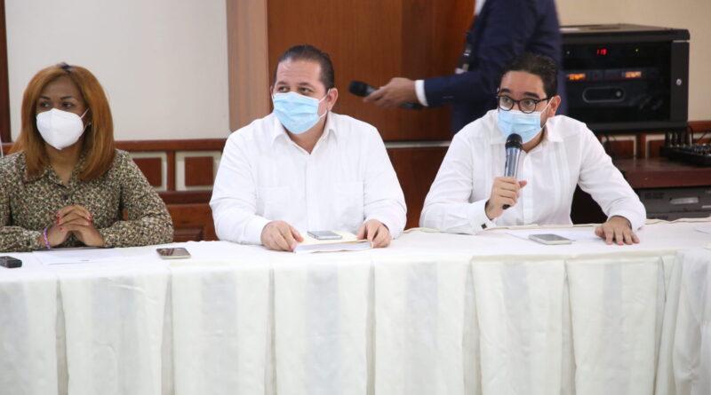 Diputados y ministro de Trabajo exponen diferentes escenarios a tomar en cuenta en proyecto de ley para crear Programa de Primer Empleo