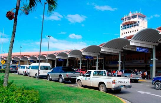 Falsa alarma de bomba afecta operaciones del aeropuerto del Cibao