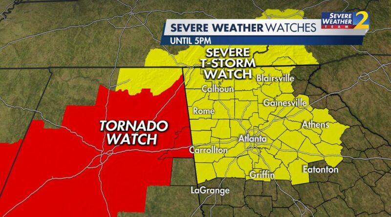 Las advertencias de tormenta caducan hasta el final del día de vientos fuertes y al menos un tornado