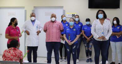 Moscoso Puello realiza operativo de mamografía y densitometría