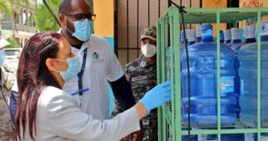 Pro Consumidor pide no exponer al sol botellones de agua plásticos por peligro para salud