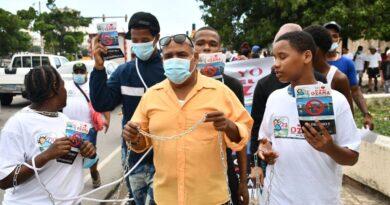 Realizan protesta por instalación de Barcaza Eléctrica