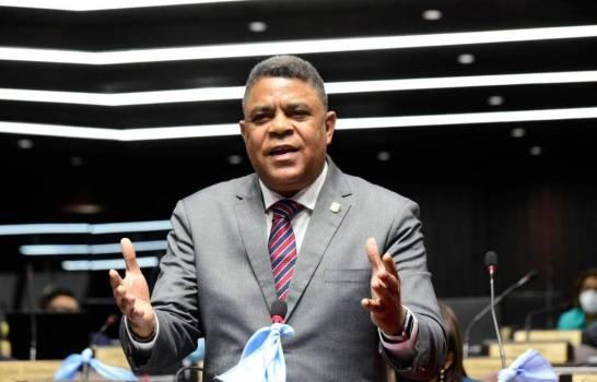 Someten proyecto de ley para que no prescriban acciones penales contra la corrupcin