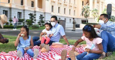 As se vio la tarde de pcnic desde los jardines del Palacio Nacional