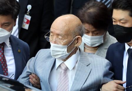 """Kim Bu-gyeom """"Chun Doo-hwan como jefe de estado, decidido por el sentido común de la gente"""""""