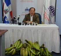 Inespre vende plátanos a peso y pollos a 140 en Expo Cibao 2021