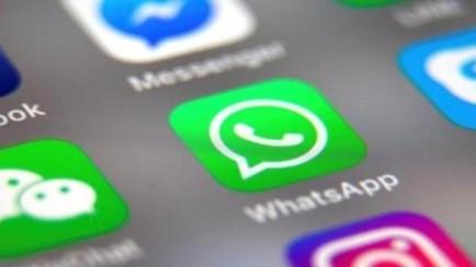 No, WhatsApp no ha cambiado tu configuración para que cualquiera pueda meterte en un grupo