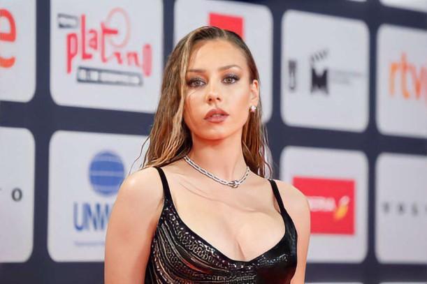 Premios Platino: Ester Expósito deslumbró con su look