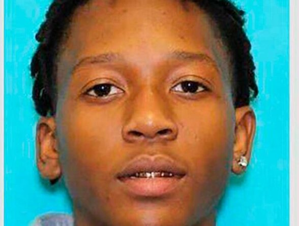 Estudiante detenido horas después del tiroteo en la escuela de Texas