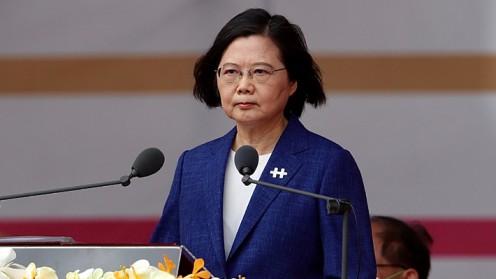 """Presidenta de Taiwán advierte a China que no cederá a sus presiones de """"reunificación"""""""