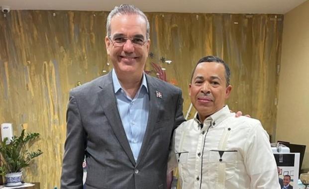 Presidente Federación de Taxistas pide a Abinader mantener acercamiento con la diáspora y creará oficina de gestión empresarial
