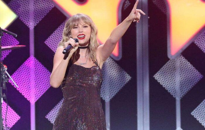 Taylor Swift reivindica la hermandad feminista al agradecer su último premio